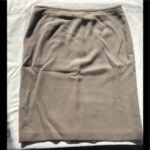 Beige Tahari skirt - size 10